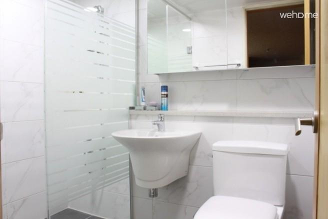 집전체 이태원과 가까운 한강변의 방3개 아파트 (한강뷰)