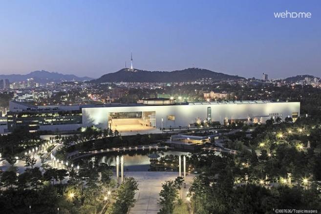 국립중앙 박물관, 전쟁기념관 도보 10분