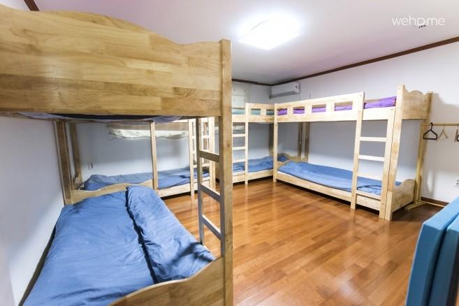 1.5층 8인실 도미토리 룸