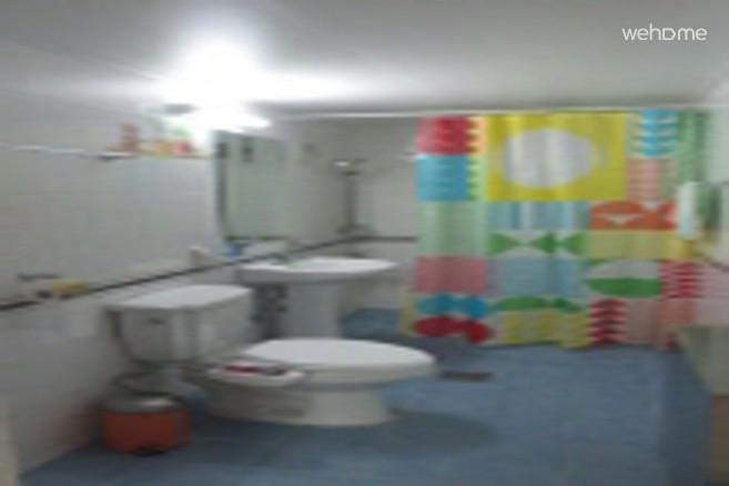 1.5층 공용화장실