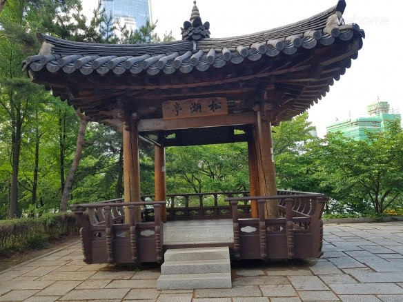2 Rooms with Korean-style touch at Lake Seokchon