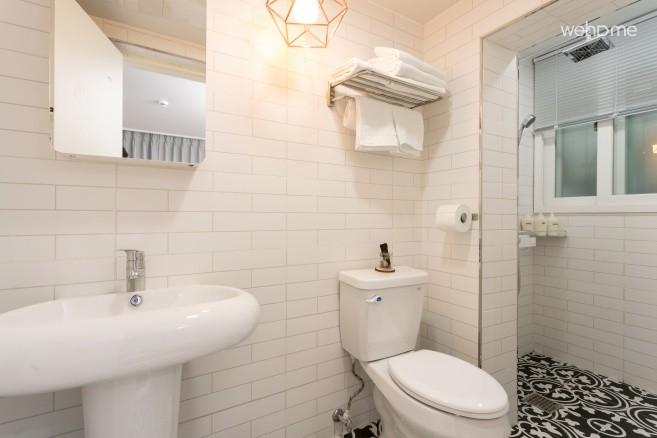 객실내 설치된 화장실