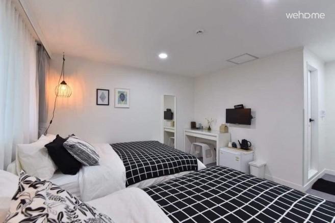모노하우스홍대5호점 디럭스쿼드 (홍대,경의선숲길,장기숙박)