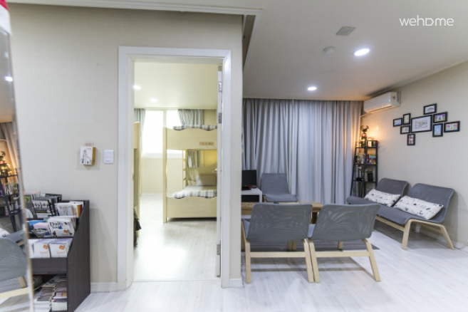 3 minute walk from Exit 10 of Gangnam Station