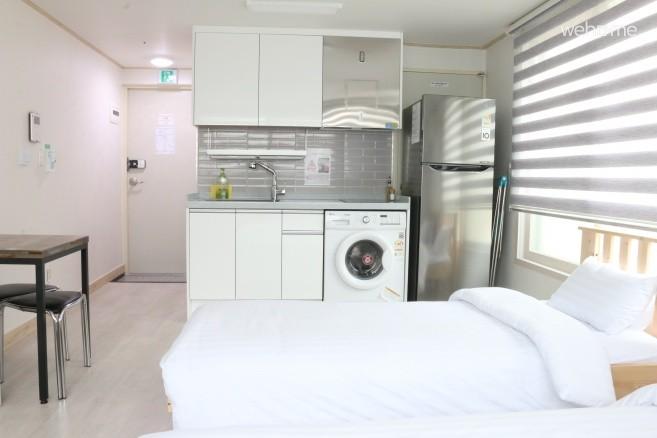 주방, 세탁기, 대형 냉장고