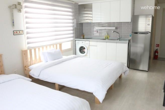 주방 및 대형 냉장고 및 세탁기