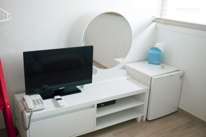 ARI HOUSE-2인실 큰방 (3인가능)