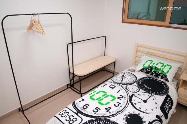 침실 2 옷걸이
