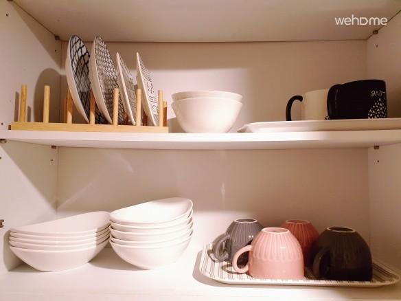 간단한 그릇과 접시, 커피잔 구비 (취사 안 돼요.^^)