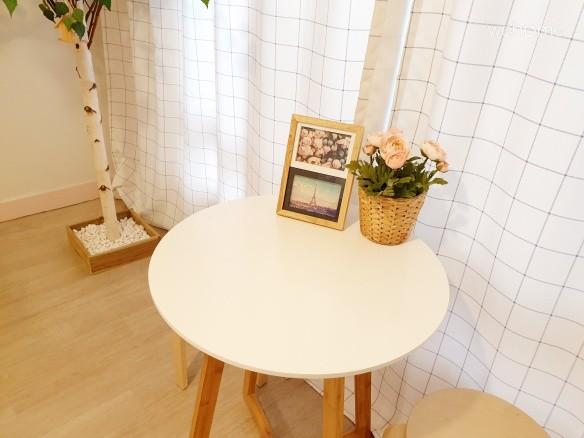 2인용 테이블과 의자
