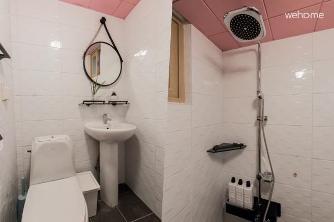 [Sweet Memory#1] 홍대3번출구5분  전용 룸+주방+욕실(2층) & 루프탑