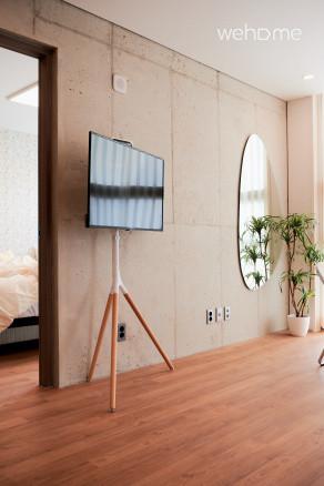 [2021신축건물]방2개+화장실2개+홍대입구역도보30초+50%오픈할인중+스위트룸C