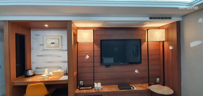 Wide room :D